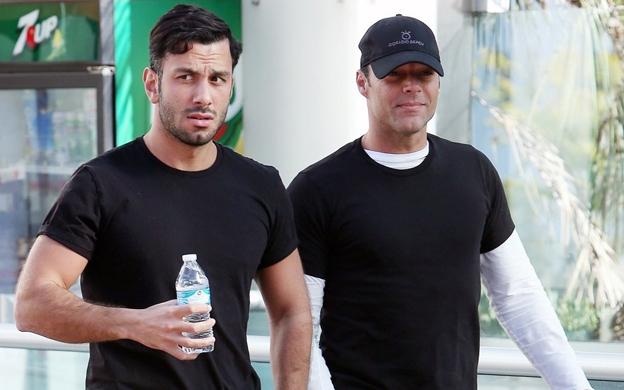 Ricky Martin reaparece tras casarse con su novio