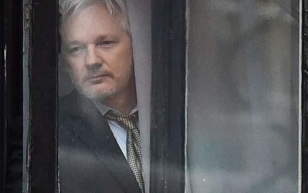 El activista ha rehusado salir de la legación por el temor a que Estados Unidos emita una orden de extradición para cuestionarle por la filtración de miles de cables diplomáticos e información confidencial a través de WikiLeaks. (Foto: Archivo)
