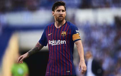 El Argentino Lionel Messi alcanzo los 700 partidos con la camiseta  azulgrana. 865f23e4109