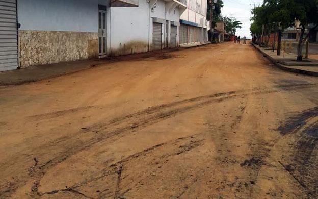 Diario La Verdad - Cubren calles de Cabimas con arena para ocultar ...