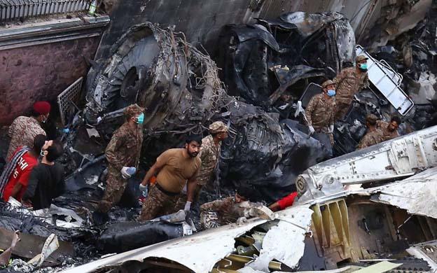Diario La Verdad - Accidente aéreo en Pakistán deja 97 Muertos y ...